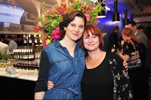 Liz White, Lisa Palfrey
